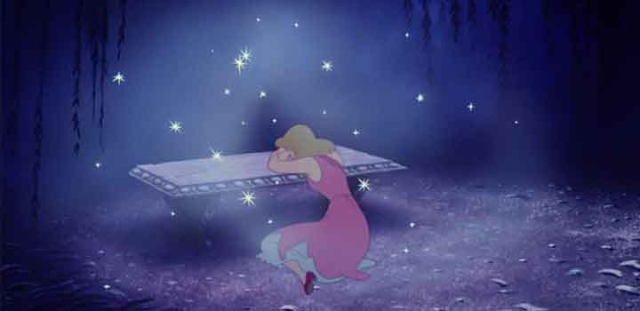 Cinderella Syndrome, sebuah fenomena dimana perempuan menganggap dirinya sebagai makhluk lemah yang membutuhkan pangeran tampan berkuda putih untuk menyelamatkannya, seperti dalam dongeng yang biasa dibacakan dan ditonton sejak kecil.