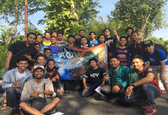 Tidak hanya main bareng, masih pada bulan September 2017, ASC juga mengadakan jalan-jalan bareng ke Taman Bungkul.