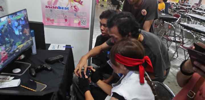 Sesi tutor di booth di Toys & Games Republic Mark VI